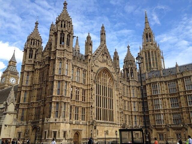 כנסיית ווסטמינסטר המבנה המפואר ביותר שיש בלונדון – כל הפרטים