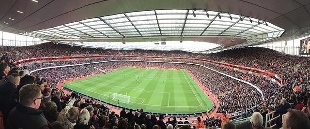 כרטיסים לכדורגל בלונדון: קבוצות, אצטדיונים ודרכי הגעה – כל הפרטים